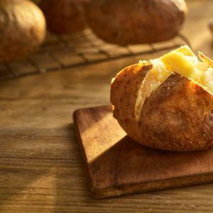 Fully Baked  Jacket Potatoes 200-260g (Ovenable)