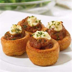 Yorkshire Puddings with Beef  Horseradish