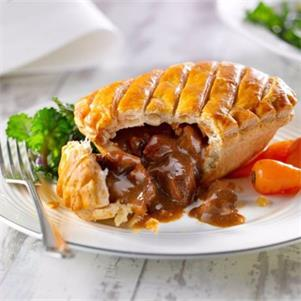 Steak & Kidney Pie (Puff Pastry Lid)